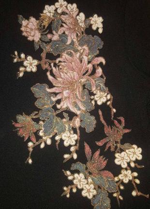 Платье с вышивкой.3 фото