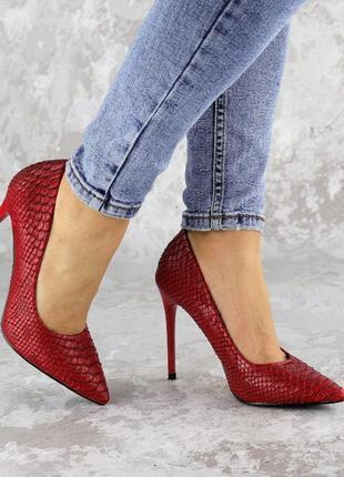 Женские красные туфли на каблуке, эко-кожа