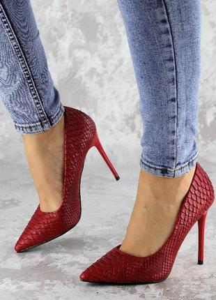 Женские красные туфли на каблуке, эко-кожа3 фото
