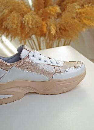 Женские кожаные кроссовки8 фото