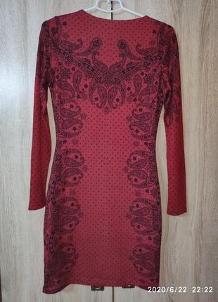 Красивое платье бордового цвета с черным принтом, yumi5 фото