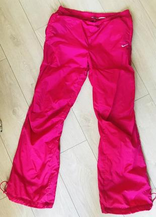 Спортивные штаны nike (оригинал)1 фото