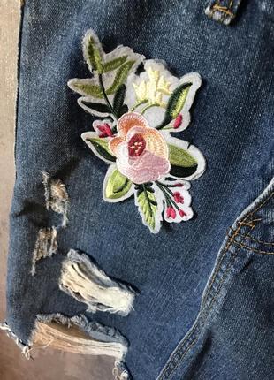 Джинсовая юбка рваная модная3 фото
