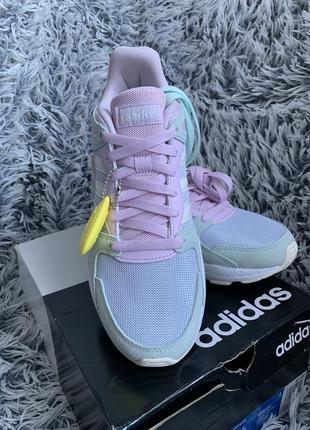 Новые кроссовки adidas2 фото