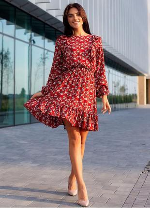 Красиве червоне плаття з рюшами1 фото