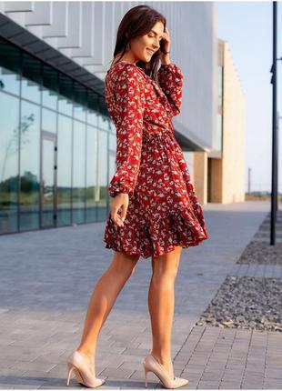 Красиве червоне плаття з рюшами2 фото