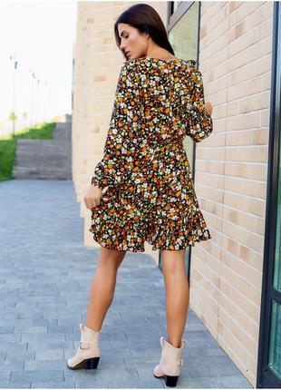 Красиве плаття в квітковий принт з рюшами3 фото