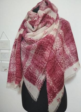 Роскошный фирменный большой шерстяной платок 100% шерсть супер качество!!!4 фото