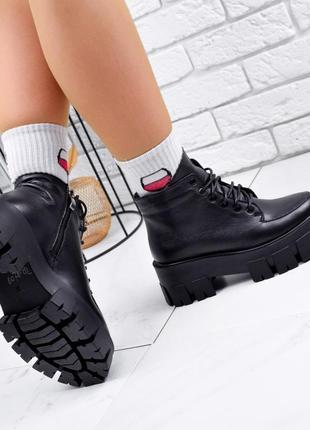 Новые женские кожаные демисезонные чёрные ботинки на грубой подошве6 фото