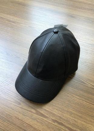 Кожаная кепка кожзам1 фото