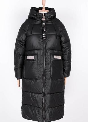 Женская чёрная длинная куртка1 фото