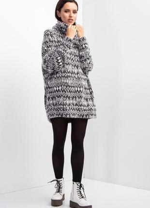 Трикотажный свитер с воротником хомут5 фото