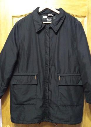 Чёрная демисезонная куртка батал