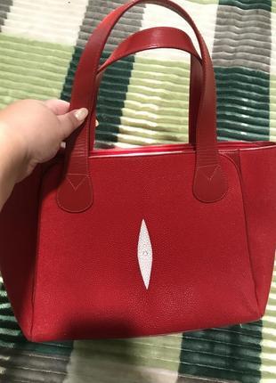 Шикарная сумка из ската
