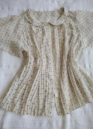 Винтажная блуза нежная в горошек.