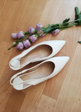 Туфли  босоніжки тренд 2020  модні