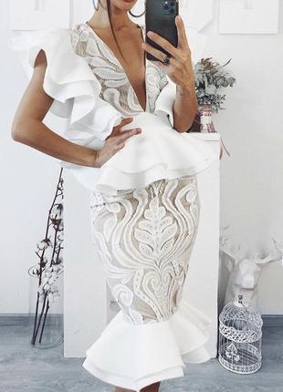 Платье prettylittlething/белое платье