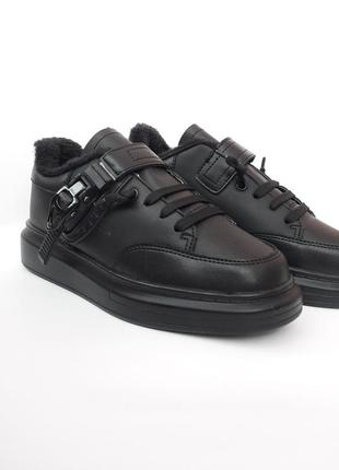 Теплые кроссовки. осень. утеплённые ботинки. чёрные кроссовки
