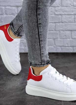 Женские кроссовки белые brut 1998