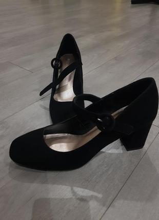 Замшевые туфли квадратный носок