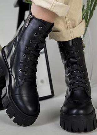 Натуральные кожаные  ботинки на шнуровке
