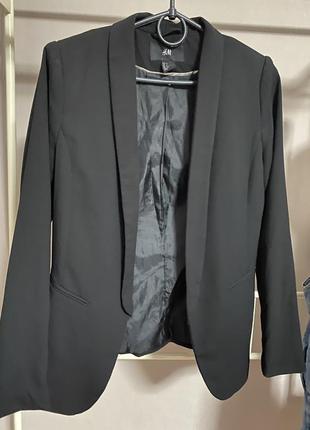 Пиджак без пуговки