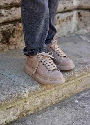 Шикарные кроссовки alexander mcqueen