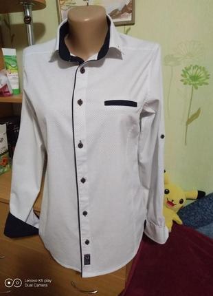 Мужская рубашка белоснежная в точку, приталенный силуэт-s-m-megamen-состояние новой.