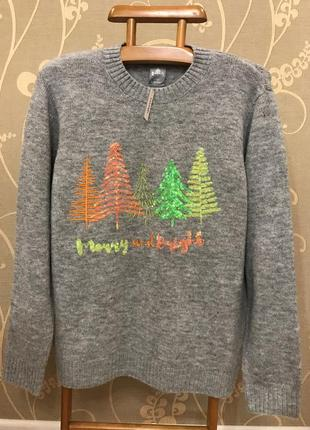 Нереально красивый и стильный брендовый свитер серого цвета большого размера.