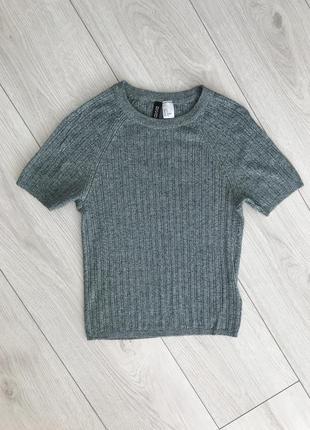 Футболка, теплая футболка, серо-зеленая футболка.