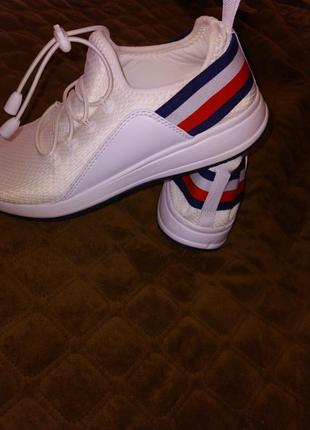 Брендові кросовки від tommy hilfiger