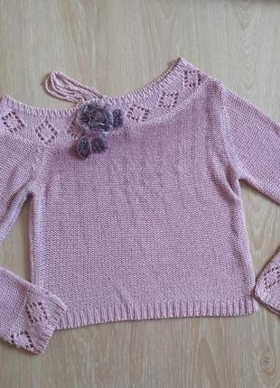 Уророченный свитер женский с открытым плечом