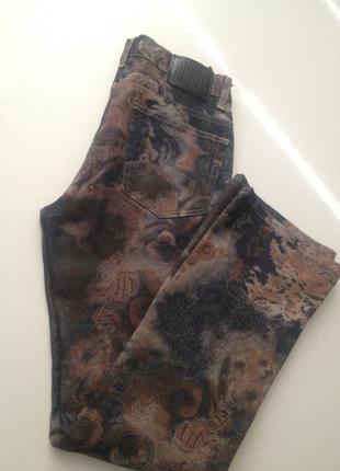 Повседневные коттоновые джинсы в принт 004