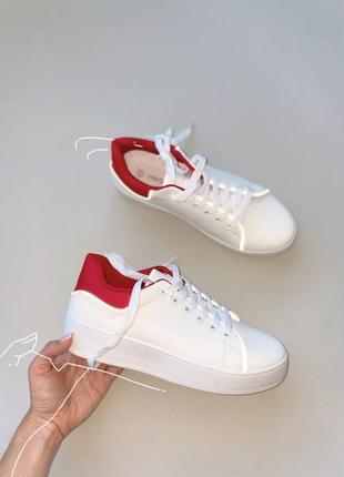 Тотальная распродажа кеды базовые белые рефлективные с красным задником
