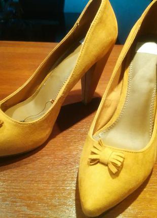Туфли высокий толстый каблук