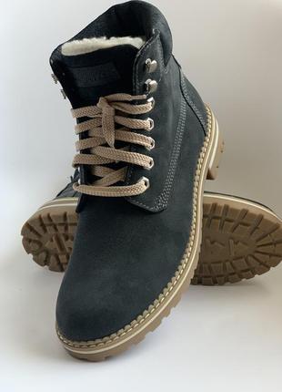 Тёплые ботинки на шнуровке