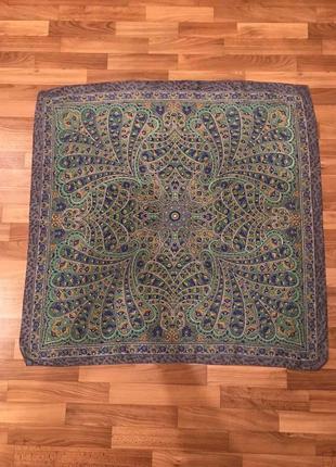 Большой шёлковый платок