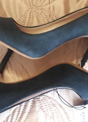 Туфли новые zara р.35.5-36 куплены в италии продаю по символической цене пересылаю