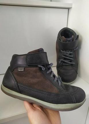 Кожаные фирменные ботинки 22.5 см