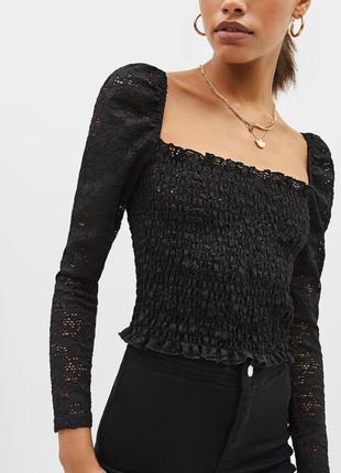 Кружевная блуза топ с длинным рукавом и вырезом bershka