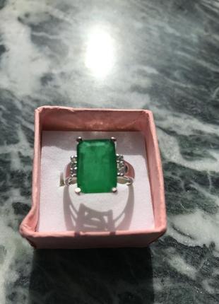 Перстень с изумрудом  классической огранки  октагон он оооогромный 10.13х13.65 мм
