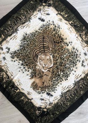 Платок с тигром в стиле gucci
