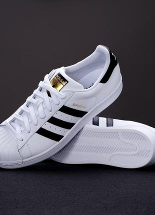 Оригінальні кросівки