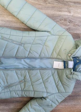 Куртка новая размер л