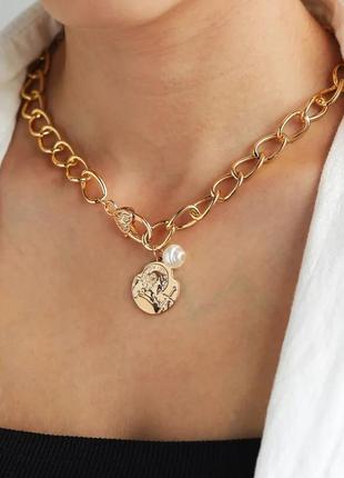 Ожерелье колье чокер цепочка золотистая с подвеской монета