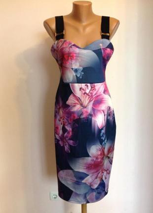 Коктельное платье в цветы с еластамом / l/ brend lipsy