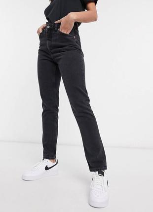 Серые джинсы мом варенки