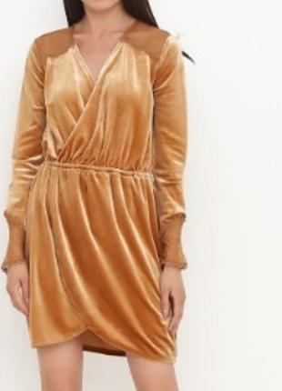 Брендовое велюровое платье
