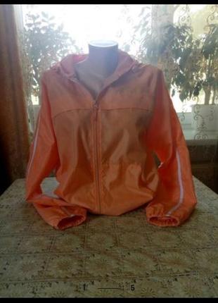 Красивая легкая курточка-ветровочка, новая