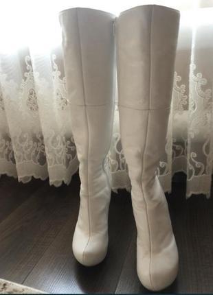 Кожаные белые сапоги